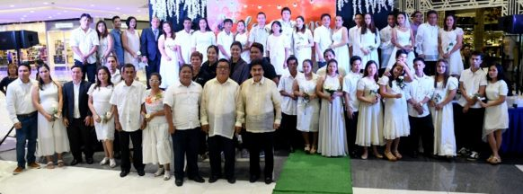 23 couples married in mass wedding at SM City Bacolod