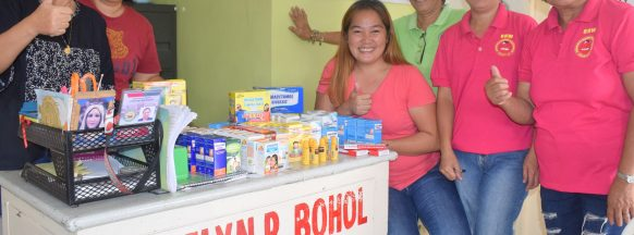 Ceneco turns over medicine, supplies to health center