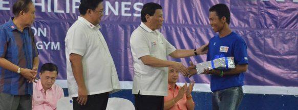 Duterte in Cabatuan for CARP anniversary event