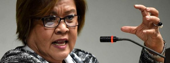 Embattled senator calls for  investigation into killings in Negros