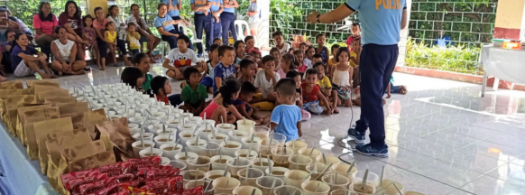 IPPO hosts gift-giving event  for Barotac Viejo kids