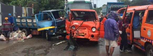 One dead, seven injured after  multi-vehicle collision in Mansilingan