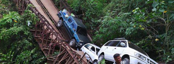 La Carlota bridge collapses; 13 people rescued